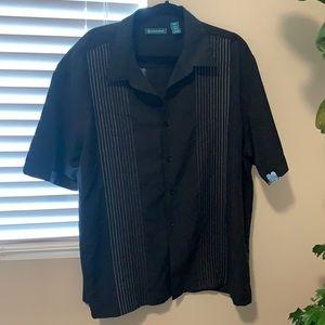 Black short sleeve button up Bundle & save 🤗